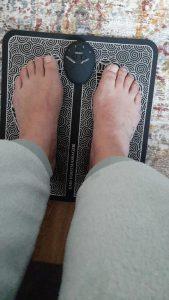 EMS stimulator za pospeševanje prekrvavitve v nogah MASSAGE PRO photo review